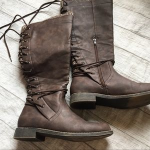 Just Fab Boots with Lace up back sz 8.5
